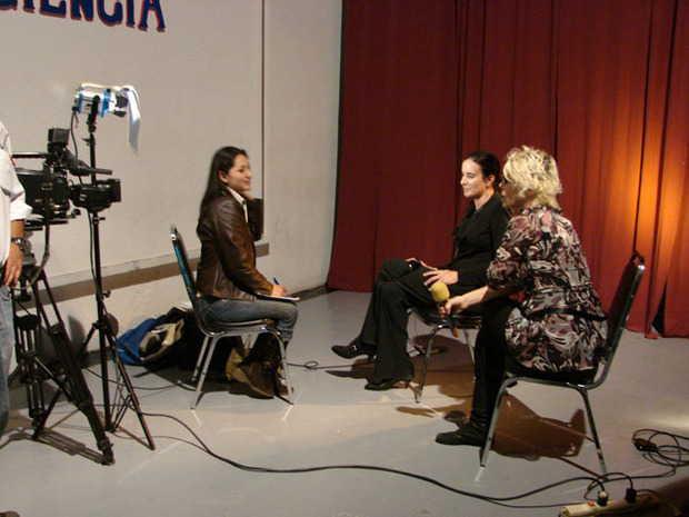 """Entrevista para el programa """"Paola a las Tr3s"""" de Televisa, Mexico"""