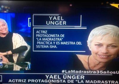 """Yael Unger con el Pollo Valdivia en el programa """"Algo personal"""" – Chile"""